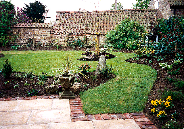 Hugh frost garden design garden design in nottinghamshire for Garden design nottingham